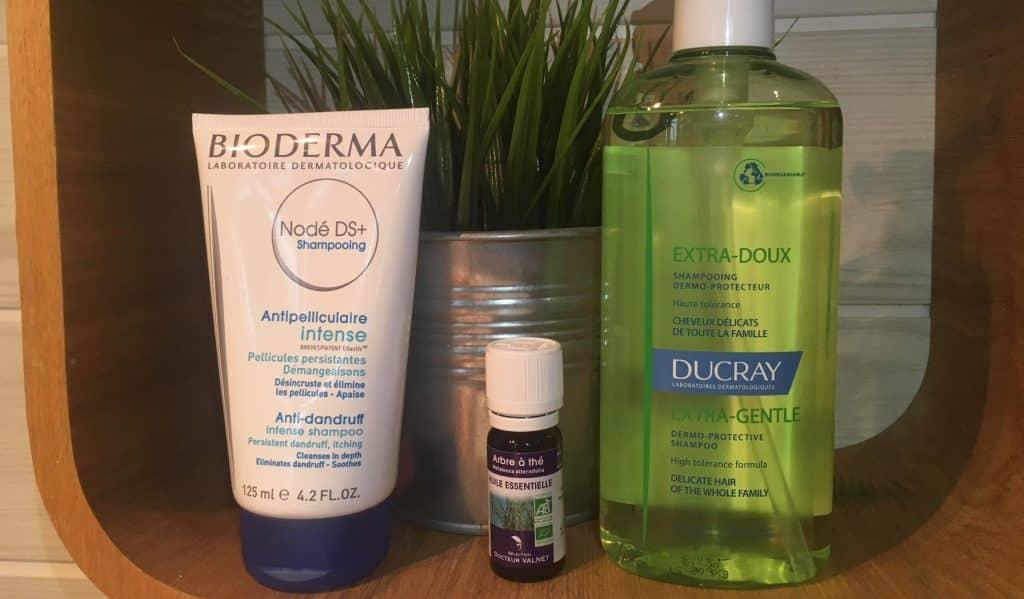 Produits que j'utilise pour lutter contre la La dermite séborrhéique du cuir chevelu : un shampoing doux , un shampoing anti-ds ( Nodé DS+) et de l'huile essentielle d'arbre a thé